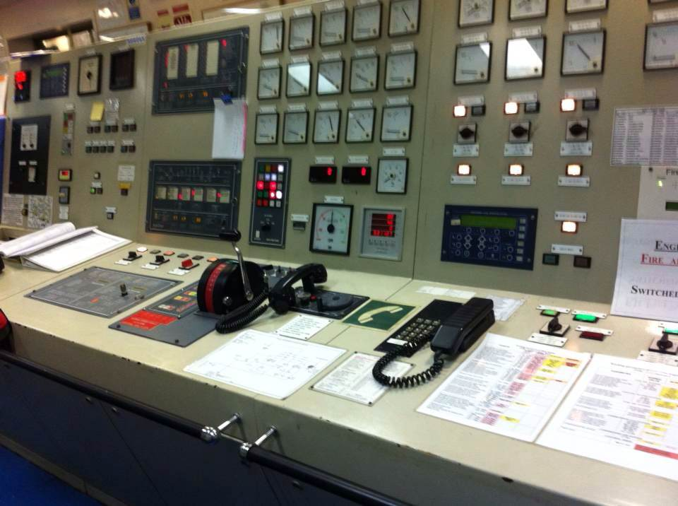 Engine Control Console : Service case shanghai donjun automation equipment co ltd